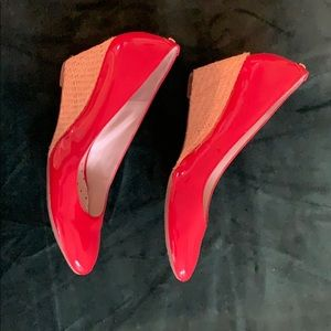 AK Anne Klein patent red woven wedges
